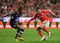 20120331: LISBON, PORTUGAL – Portuguese Liga Zon Sagres 2011/2012 - SL Benfica vs CS Braga.<br />In picture: Benfica's Rodrigo Moreno, from Spain, right, fights for the ball with Braga's Pizzi.<br />PHOTO: Alvaro Isidoro/CITYFILES