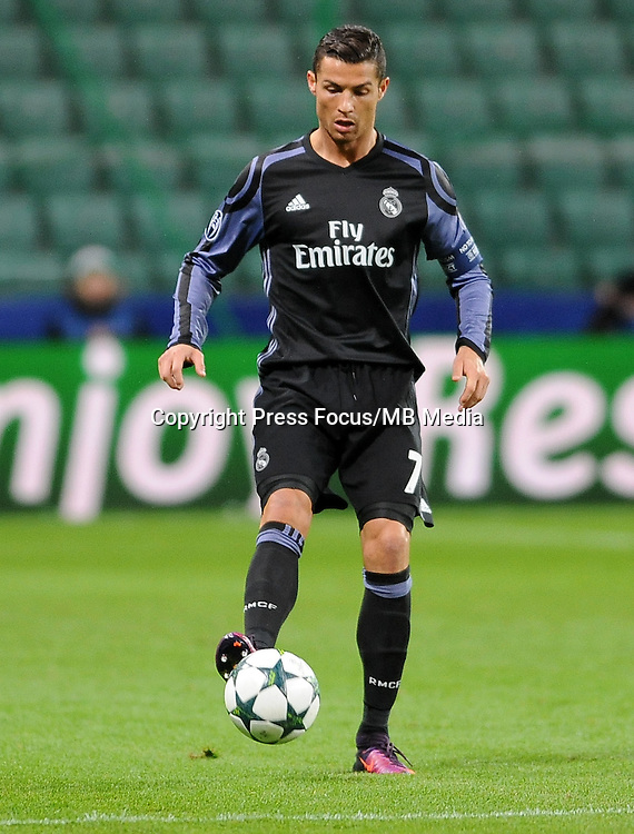 2016.11.02 Warszawa <br /> Pilka nozna UEFA Liga Mistrzow Sezon 2016/2017<br /> Legia Warszawa - Real Madryt<br /> N/z Cristiano Ronaldo<br /> Foto Rafal Rusek / PressFocus<br /> <br /> 2016.11.02 Warszawa <br /> Football UEFA Champions League Season 2016/2017<br /> Legia Warszawa - Real Madryt<br /> Cristiano Ronaldo<br /> Credit: Rafal Rusek / PressFocus