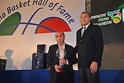 DESCRIZIONE : Monza Vila Reale Italia Basket Hall of Fame<br /> GIOCATORE : Gianni Corsolini Dino Meneghin<br /> SQUADRA : FIP Federazione Italiana Pallacanestro <br /> EVENTO : Italia Basket Hall of Fame<br /> GARA : <br /> DATA : 29/06/2010<br /> CATEGORIA : Premiazione<br /> SPORT : Pallacanestro <br /> AUTORE : Agenzia Ciamillo-Castoria/M.Gregolin