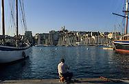 France. Marseille. the old port/ Notre dame de la garde church and hill  Marseille  France  / VIEUX PORT ET BASILIQUE NOTRE DAME DE LA GARDE  Marseille  France  /     L0008205  /  R20711  /  P115633