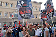 "Roma 3 Luglio 2015<br /> Manifestazione in sostegno del ""No"" sul  referendum sull'austerità dell'Unione europea  in Grecia e per sostenere il popolo greco nella sua lotta contro la Troika e la sua politica di austerità.<br /> Rome July 3, 2015<br /> Demonstration in support of the ""No"" Greek referendum on European Union austerity, to support the greek people in its struggle against the Troika and its policy of austerity."