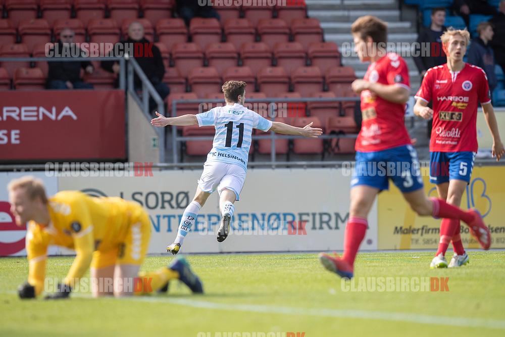 Nicolas Mortensen (FC Helsingør) jubler efter scoringen til 0-1 under kampen i 2. Division mellem Slagelse B&I og FC Helsingør den 6. oktober 2019 på Slagelse Stadion (Foto: Claus Birch).