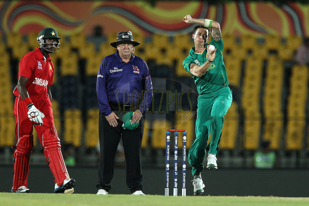 Dale Steyn bowls during the ICC World Twenty20 Pool C match between South Africa and Zimbabwe held at the MAHINDA RAJAPAKSA INTERNATIONAL CRICKET STADIUM in Hambantota, Sri Lanka on the 20th September 2012..Photo by Ron Gaunt/SPORTZPICS