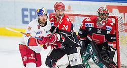 19.02.2017, Tiroler Wasserkraft Arena, Innsbruck, AUT, EBEL, HC TWK Innsbruck die Haie vs EC Red Bull Salzburg, Platzierungsrunde, im Bild v.l.n.r.: Bill Thomas (EC Red Bull Salzburg), Florian Pedevilla (HC TWK Innsbruck  die Haie) und Andy Chiodo (HC TWK Innsbruck  die Haie) // during the Erste Bank Erste Bank Icehockey placement round match between HC TWK Innsbruck  die Haie and EC Red Bull Salzburg at the Tiroler Wasserkraft Arena in Innsbruck, Austria on 2017/02/19. EXPA Pictures © 2017, PhotoCredit: EXPA/ Jakob Gruber