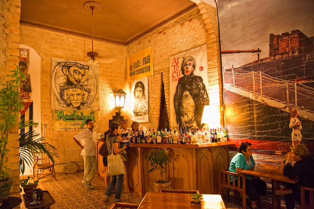 Madrigal Cafe, Calle 17 #809 altos, e/ 2 y 4, Havana Vedado, Cuba.