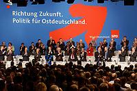 """10 MAR 2002, MAGDEBURG/GERMANY:<br /> Gerhard Schroeder (M), SPD, Bundeskanzler, nach seiner Rede, gemeinsamer Parteitag der ostdeutschen SPD Landesverbaende unter dem Motto:""""Richtung Zukunft. Politik fuer Ostdeutschland."""", Hotel Maritim<br /> IMAGE: 20020310-01-044<br /> KEYWORDS: Party congress, Gerhard Schröder, Jubel, Applaus"""