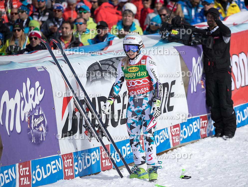 22.10.2016, Rettenbachferner, Soelden, AUT, FIS Weltcup Ski Alpin, Soelden, Riesenslalom, Damen, 2. Durchgang, im Bild Eva-Maria Brem (AUT) // Eva-Maria Brem of Austria reacts after her 2nd run of ladies Giant Slalom of the FIS Ski Alpine Worldcup opening at the Rettenbachferner in Soelden, Austria on 2016/10/22. EXPA Pictures © 2016, PhotoCredit: EXPA/ Johann Groder