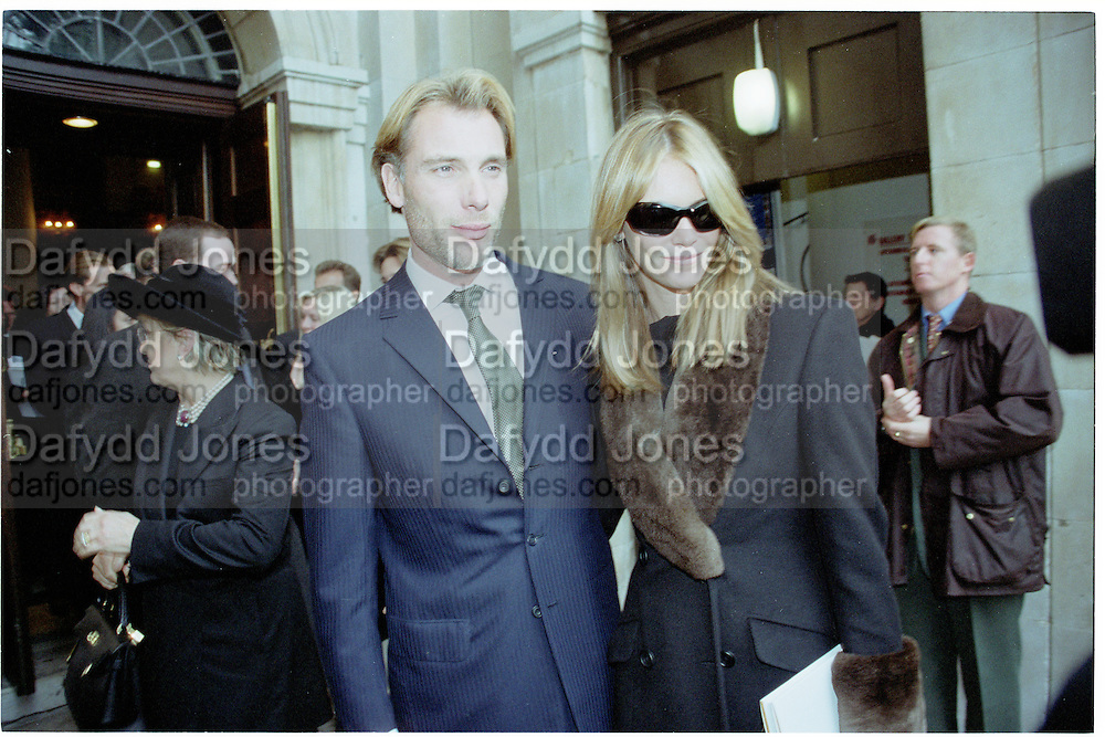 Damian Aspinall and Elle Mcpherson. . Service of Thanksgiving For John Aspinall, St. John's Smith Sq. London. f© Copyright Photograph by Dafydd Jones 66 Stockwell Park Rd. London SW9 0DA Tel 020 7733 0108 www.dafjones.com