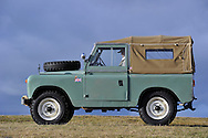 18/12/12 - GERGOVIE - PUY DE DOME - FRANCE - Essais LAND ROVER 88 Type 2A de 1969 - Photo Jerome CHABANNE