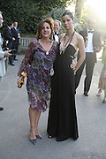 Lady Gillford and Peggy de Carlo. Conservative Party, Summer party, Royal Hospital Chelsea, Royal Hospital Road, London, SW3,3 July 2006. ONE TIME USE ONLY - DO NOT ARCHIVE  © Copyright Photograph by Dafydd Jones 66 Stockwell Park Rd. London SW9 0DA Tel 020 7733 0108 www.dafjones.com