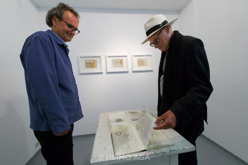 Neufelden, Austria. HEIM.ART&reg;-Station by Joachim Eckl (l.)<br /> Exhibition &quot;Zeichen der Erinnerung (Signs of Memory)&quot;.<br /> Pictures from Egypt by Karl-Heinz Tritschler (r.)