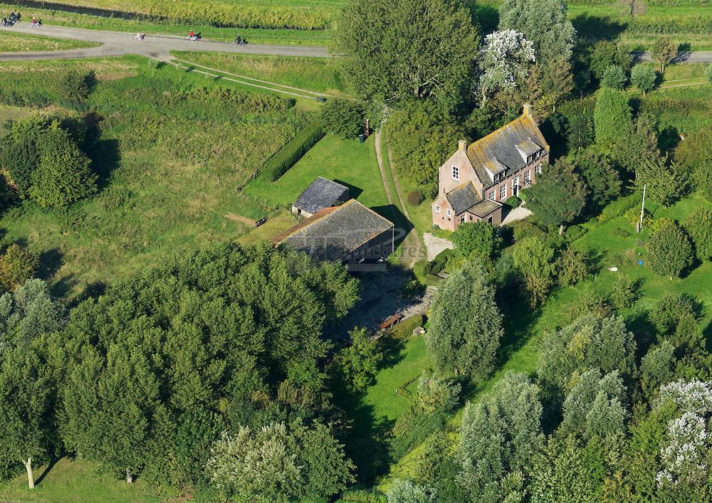 Boerderij van Jankees Steutel en familie aan de Krommeweg in Kamperland