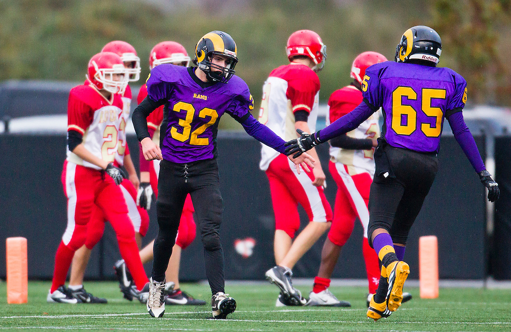 Mt.Doug Rams vs. W. J. Mouat Hawks Junior Football November 8, 2013