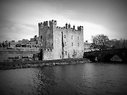 Whiteís Castle, Athy, Kildare 1417, Black and White, Black and White Photography, Black and White Prints, Photography, Photography Print, Print, Irish Gifts, Irish People, Historical Photos, Irish Society, Irish History, Irish Culture, Images of Ireland, Eire, Film Photography, Old Photos, Vintage Photos, Republic of Ireland, Old Print, Irish Pictures, Irish Images, Sepia, Ireland,