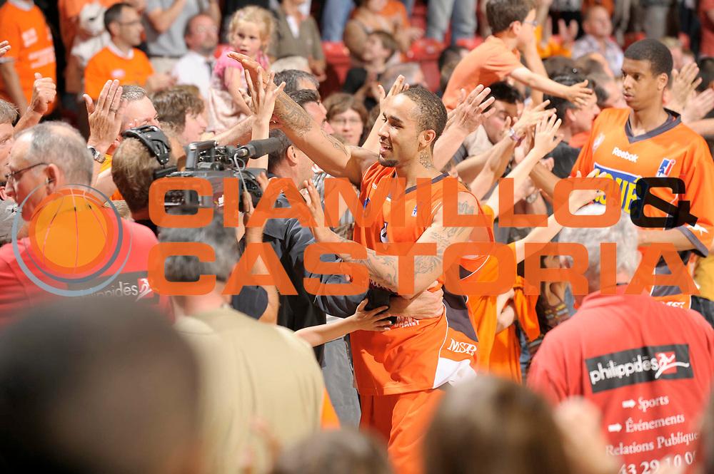 DESCRIZIONE : Ligue France Pro A  Le Mans Roanne Play Off 1/2 Finale Belle<br /> GIOCATORE : Wright Zach<br /> SQUADRA : Le Mans<br /> EVENTO : FRANCE Ligue  Pro A 2009-2010<br /> GARA : Le Mans Roanne<br /> DATA : 04/06/2010<br /> CATEGORIA : Basketball Pro A Joie<br /> SPORT : Basketball<br /> AUTORE : JF Molliere par Agenzia Ciamillo-Castoria <br /> Galleria : France Ligue Pro A 2009-2010 <br /> Fotonotizia : Ligue France Pro A  Le Mans Paris Roanne Play Off 1/2 Finale Belle<br /> Predefinita :