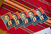 DEU, Deutschland, Germany, Hönow bei Berlin, 09.09.2017: Aufkleber mit dem Konterfei von Thüringens AfD-Chef Björn Höcke bei einer Wahlveranstaltung der Partei Alternative für Deutschland (AfD) im Restaurant Mittelpunkt der Erde.
