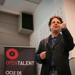 Chris Grant speaking at an Open Talent Conference at UPC.