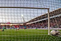 ALKMAAR - 25-05-2017, AZ, - FC Utrecht, AFAS Stadion, AZ speler Joris van Overeem (m) scoort hier de 1-0, doelpunt, FC Utrecht keeper David Jensen