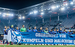 08.12.2016, Red Bull Arena, Salzburg, AUT, UEFA EL, FC Red Bull Salzburg vs Schalke 04, Gruppe I, im Bild Schalke Spieler bedanken sich nach dem Spiel bei den mitgereisten Fans mit einem Transparent Donis Avdijaj (FC Schalke 04), Alessandro Schoepf (FC Schalke 04), Fabian Giefer (FC Schalke 04), Abdul Baba Rahman (FC Schalke 04), Benedikt Hoewedes (FC Schalke 04), Fabian Reese (FC Schalke 04), Sidney Sam (FC Schalke 04), Junior Caicara (FC Schalke 04), Yevhen Konoplyanka (FC Schalke 04), Dennis Aogo (FC Schalke 04) // Schalke players would like to thank the fans after the match with a banner during the UEFA Europa League group I match between FC Red Bull Salzburg and Schalke 04 at the Red Bull Arena in Salzburg, Austria on 2016/12/08. EXPA Pictures © 2016, PhotoCredit: EXPA/ JFK