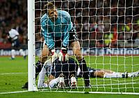 Photo: Richard Lane/Sportsbeat Images.<br />England v Germany. International Friendly. 22/08/2007. <br />Germany's Jens Lehamm rests on England's David Beckham crosses.