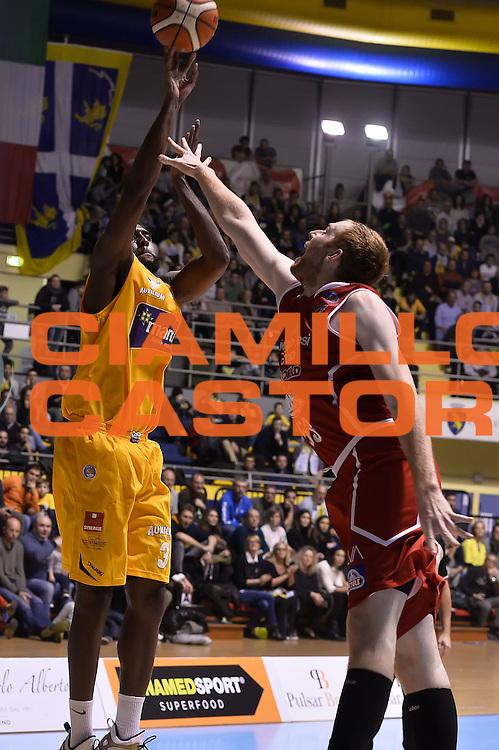 DESCRIZIONE : Torino Auxilium Manital Torino Giorgio Tesi Group Pistoia<br /> GIOCATORE : Dewayne White<br /> CATEGORIA : tiro three points<br /> SQUADRA : Manital Auxilium Torino<br /> EVENTO : Campionato Lega A 2015-2016<br /> GARA : Auxilium Manital Torino Giorgio Tesi Group Pistoia<br /> DATA : 07/12/2015 <br /> SPORT : Pallacanestro <br /> AUTORE : Agenzia Ciamillo-Castoria/R.Morgano<br /> Galleria : Lega Basket A 2015-2016<br /> Fotonotizia : Torino Auxilium Manital Torino Giorgio Tesi Group Pistoia<br /> Predefinita :
