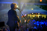 Nederland, the Netherlands, Nijmegen, 18-7-2015 Live optreden, concert van Frank Boeijen met groep, band, op het kelfkensbos, museumplein, tijdens de Nijmeegse zomerfeesten, vierdaagsefeesten. Foto: Flip Franssen