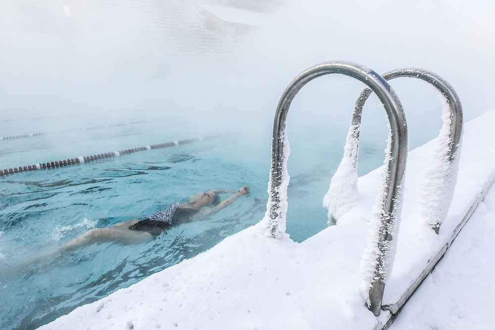 Russia open air swimming pool in the winter sergei - Opening a swimming pool after winter ...