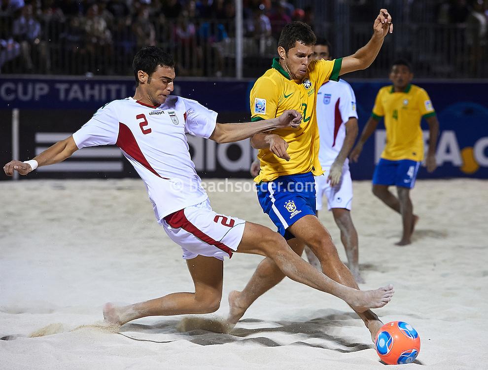 PAPEETE, TAHITI - OCTOBER 19:  FIFA Beach Soccer World Cup Tahiti 2013 between Brasil and Iran at Stadium Tahua To´ata  on October 19, 2013 in Papeete, Tahiti. (Photo by Manuel Queimadelos)