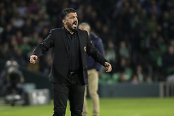 November 8, 2018 - Seville, Spain - GENNARO GATTUSO, head coach of Milane, screams   during the Europa League Group F soccer match between Real Betis and AC Milan at the Benito Villamarin Stadium (Credit Image: © Daniel Gonzalez Acuna/ZUMA Wire)