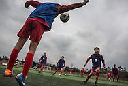 Qingyuan, Guangdong, Chine, le 11 mars 2016<br /> El&egrave;ves de '&eacute;cole de football Evergrande &agrave; l'entrainement. Fond&eacute;e en 2013, l'&eacute;cole compte plus de 2000 &eacute;l&egrave;ves et pr&egrave;s de 50 terrains de football.<br /> Gilles Sabri&eacute; pour L'Equipe