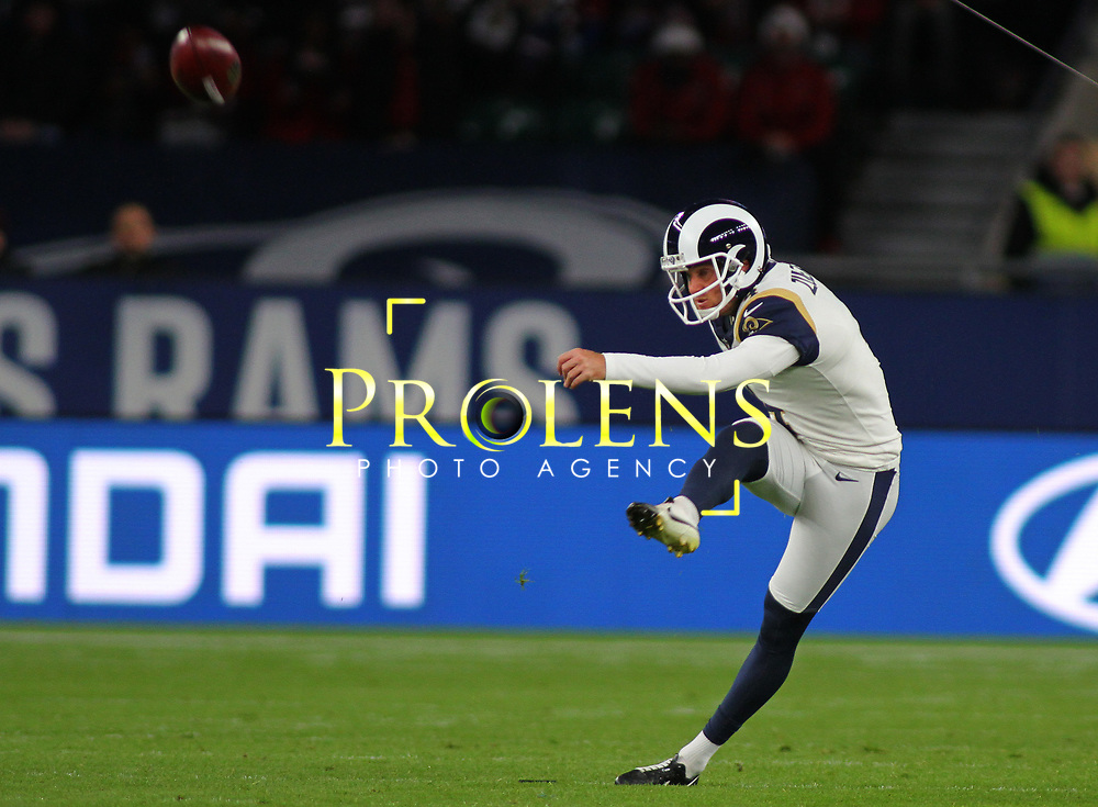 LONDON, ENGLAND - OCTOBER 22: Los Angeles Rams kicker Greg Zuerlein (4) during the NFL match between the Arizona Cardinals and the Los Angeles Rams at Twickenham Stadium on October 22, 2017 in London, United Kingdom. (Photo by Mitchell Gunn/ESPA-Images) *** Local Caption *** Greg Zuerlein