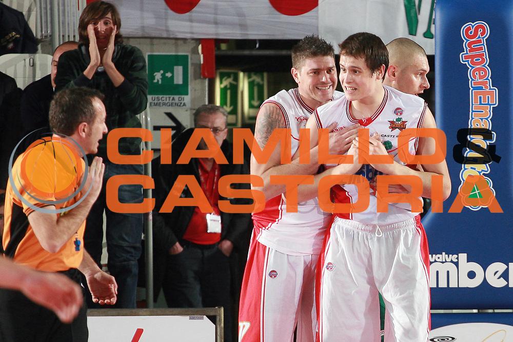 DESCRIZIONE : Varese Lega A 2009-10 Cimberio Varese Air Avellino<br /> GIOCATORE : Nicolo Martinoni Simone Cotani<br /> SQUADRA : Cimberio Varese<br /> EVENTO : Campionato Lega A 2009-2010 <br /> GARA : Cimberio Varese Air Avellino<br /> DATA : 08/11/2009 <br /> CATEGORIA : <br /> SPORT : Pallacanestro <br /> AUTORE : Agenzia Ciamillo-Castoria/S.Ceretti<br /> Galleria : Lega Basket A 2009-2010 <br /> Fotonotizia : Varese Campionato Italiano Lega A 2009-2010 Cimberio Varese Air Avellino<br /> Predefinita :