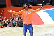 Nederlandse Olympische ploeg komt thuis en wordt gehuldigd op het plein voor Station Den Bosch.<br /> <br /> Op de foto:  Ali B
