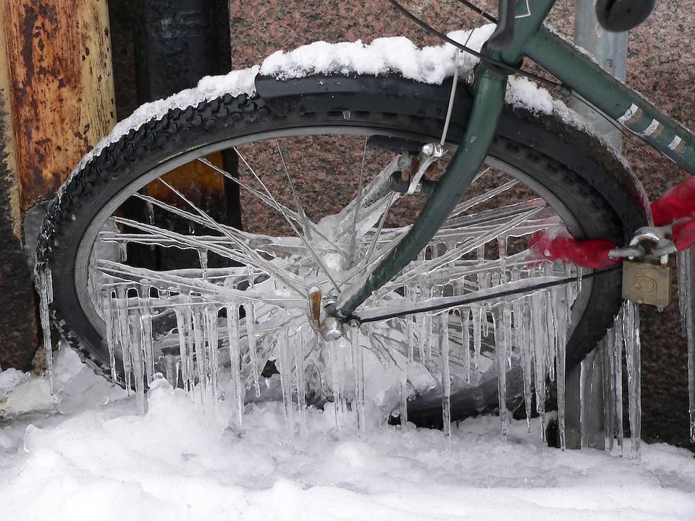 Cykelhjul med istappar