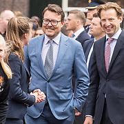 NLD/Amersfoort/20190427 - Koningsdag Amersfoort 2019,  Prins Constantijn en Prins Floris in gesprek met Danique Kerkdijk en Kiki van Es