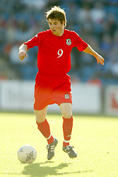 OSLO, NORWAY - Thursday, May 27, 2004:  Wales' John Oster in action against Norway during the International Friendly match at the Ullevaal Stadium, Oslo, Norway. (Photo by David Rawcliffe/Propaganda)