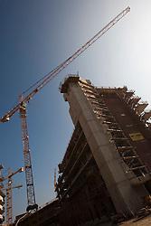 15.10.2010, Baustelle, im Bild eine Baustelle mit Kran vor blauem Himmel, EXPA Pictures © 2010, PhotoCredit: EXPA/ Erwin Scheriau