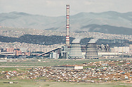 Mongolia. Ulaanbaatar. general view thermal power station and yurts area  Ulanbaatar -     /  vue generale centrale thermique et quartiers de yourtes  Oulan Bator - Mongolie   /  L0009410