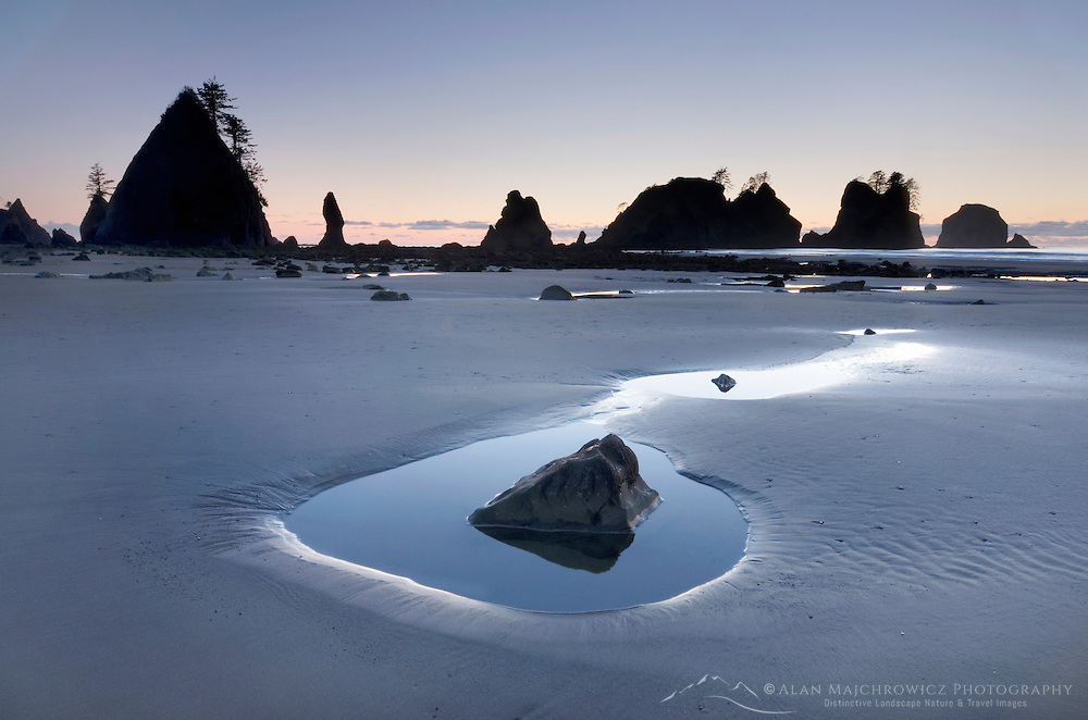 Point of the Arches and Shi Shi Beach at low tide, Olympic National Park Washington