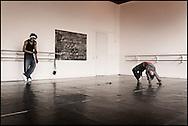 Professional dancer Edsel Cameron teaches young students at the HipHop2 (quadrate) School in Arnhem in the Netherlands on April 20, 2006. At the Hip Hop school youngsters from 10 to 25 can take workshops in rap, hip hop, breakdance and DJ Spinning...In Arnhem is sinds januari 2006 een HipHopschool gevestigd. Op deze school kunnen jongeren van tussen de 10 en 25 jaar workshops volgen in Rap, R&B zang, Breakdance, HipHop dance en DJ Spinning. Dit iniatief is tot stand gekomen door een samenwerking van Stichting Interart en de Arnhemse Rapgroep 'Andere Gekte'.  Arnhem, THE NETHERLANDS - 19-04-2006: