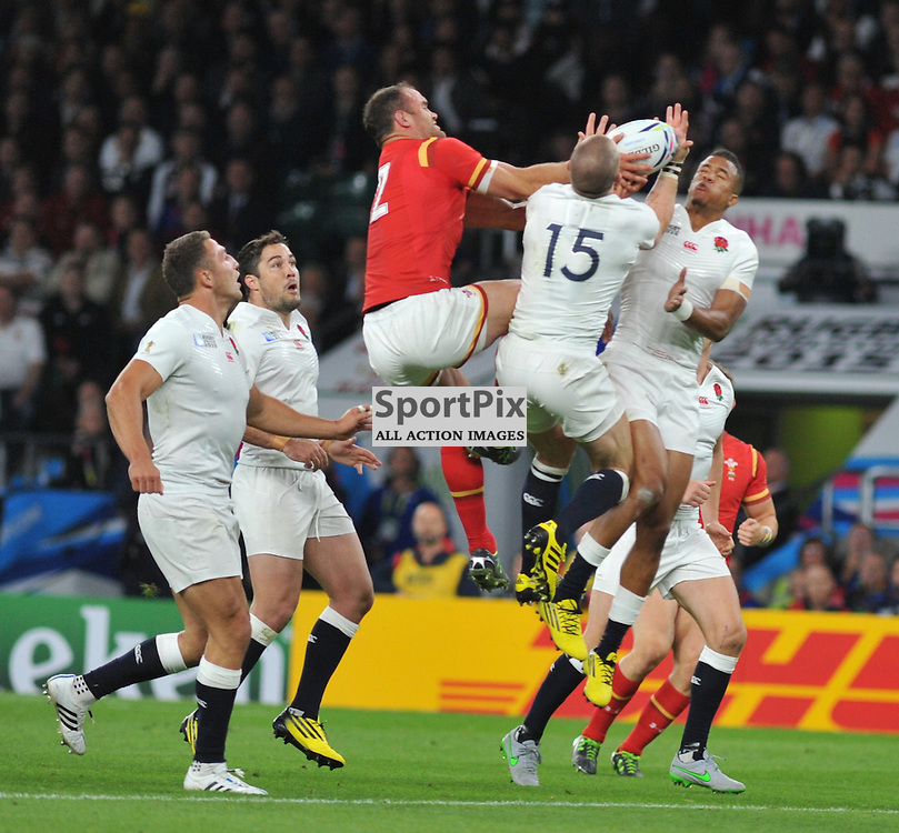 Jamie Roberts of Wales, Mike Brown of England and Anthony Watson of England during the IRB RWC 2015 Pool A match between England and Wales at Twickenham Stadium on Saturday 26 September 2015, London, England. (c) Ian Nancollas | SportPix.org.uk