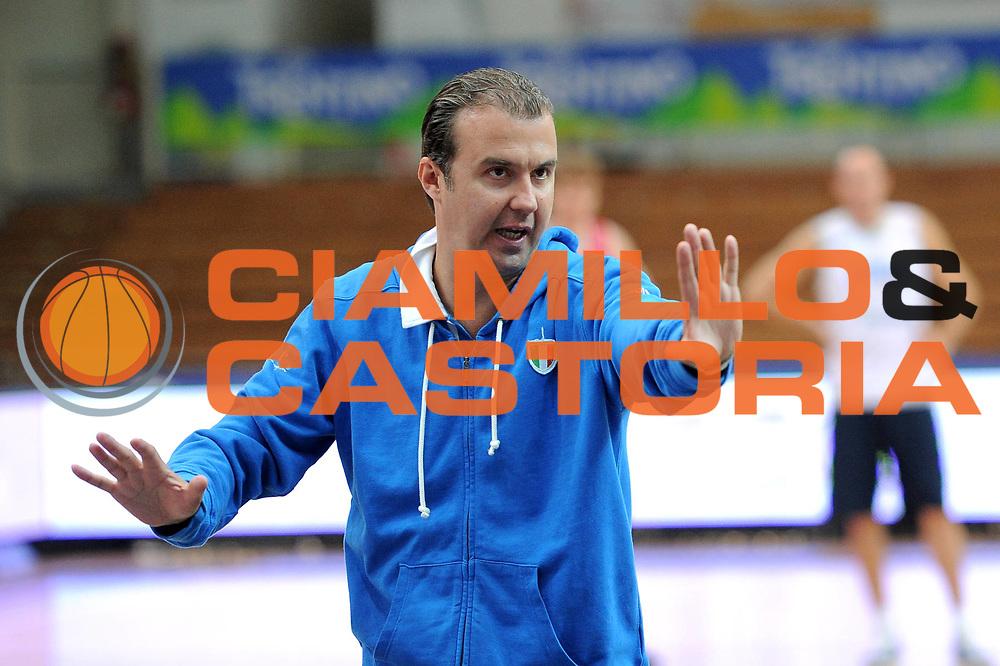 DESCRIZIONE : Trento Trentino Basket Cup Nazionale <br /> GIOCATORE : Simone Pianigiani <br /> CATEGORIA :Allenamento <br /> SQUADRA : Italia<br /> EVENTO :  Trento Trentino Basket Cup<br /> DATA : 08/08/2013<br /> SPORT : Pallacanestro<br /> AUTORE : Agenzia Ciamillo-Castoria/V.Tasco<br /> Galleria : FIP Nazionali 2013<br /> Fotonotizia : Trento Trentino Basket Cup Nazionale