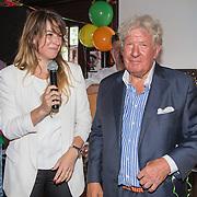 NLD/Blaricum/20160906 - Willibrord Frequin viert 75 ste verjaardag in Moeke Spijkstra, Willibrord Frequin en dochter Barbara