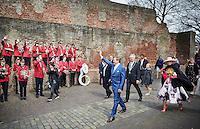 Zwolle, 27 april 2015 -  Koning Willem-Alexander en Koningin Maxima en de kinderen tijdens Koningsdag in Zwolle.<br /> Foto: Phil Nijhuis