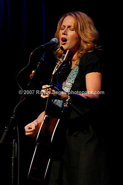 Allison Moorer performing at Town Hall on September 26, 2007.