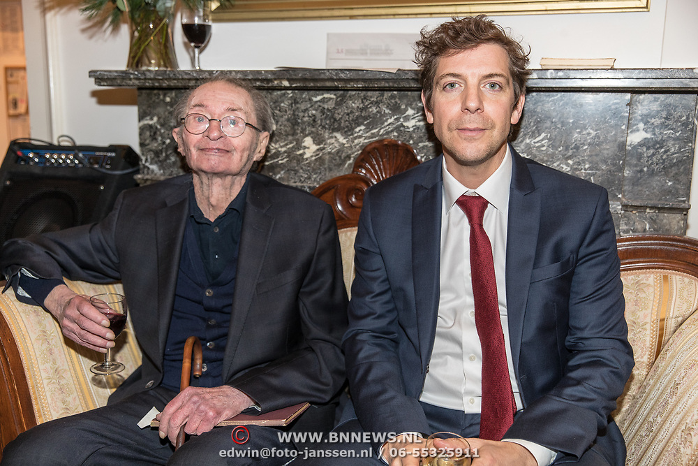 NLD/Amsterdam/20191210 - Rijmprent Ramsey Nasr onthuld, Remco Campert en Ramsey Nasr