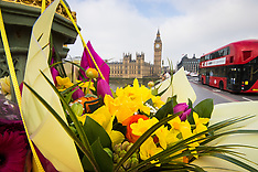 2017-03-27 Floral tributes to terror victims in Westminster