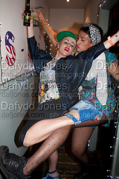 JAIME WINSTONE; CHANTELLE, WranglerÕs Nottinghill Carnival Party at the Bumpkin restaurant.  Westbourne Park Rd. London W1. 28 August 2011. <br /> <br />  , -DO NOT ARCHIVE-© Copyright Photograph by Dafydd Jones. 248 Clapham Rd. London SW9 0PZ. Tel 0207 820 0771. www.dafjones.com.<br /> JAIME WINSTONE; CHANTELLE, Wrangler's Nottinghill Carnival Party at the Bumpkin restaurant.  Westbourne Park Rd. London W1. 28 August 2011. <br /> <br />  , -DO NOT ARCHIVE-© Copyright Photograph by Dafydd Jones. 248 Clapham Rd. London SW9 0PZ. Tel 0207 820 0771. www.dafjones.com.