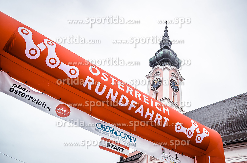 07.07.2019, Wels, AUT, Ö-Tour, Österreich Radrundfahrt, 1. Etappe, von Grieskirchen nach Freistadt (138,8 km), im Bild Logo Österreich Radrundfahrt mit Kirchturm // during 1st stage from Grieskirchen to Freistadt (138,8 km) of the 2019 Tour of Austria. Wels, Austria on 2019/07/07. EXPA Pictures © 2019, PhotoCredit: EXPA/ JFK