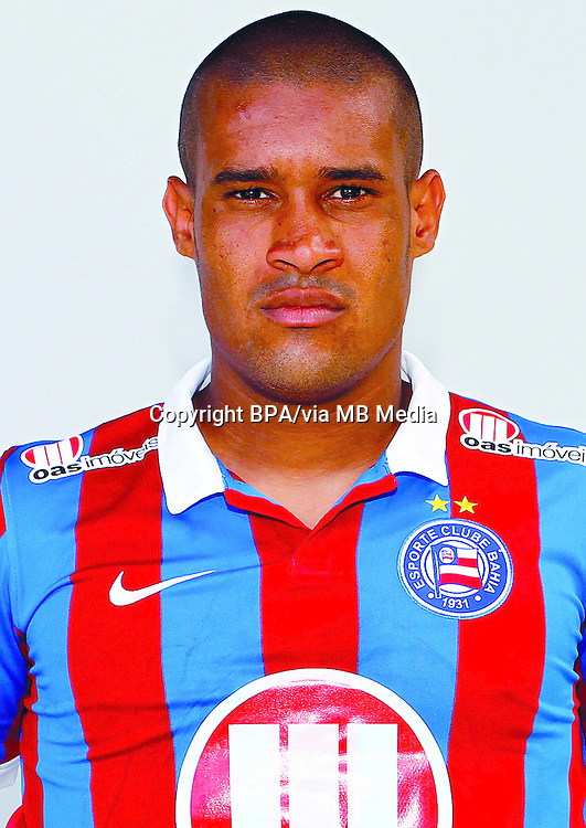 Diego Júnior Tavares  ( Esporte Clube Bahia )